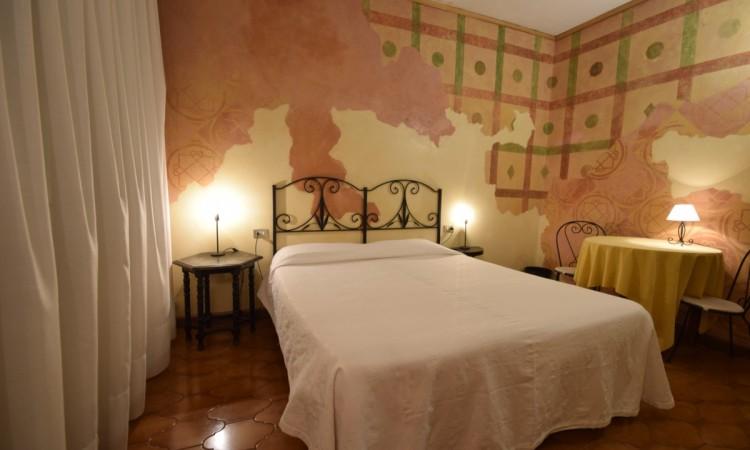 euromotel verona camera matrimoniale tema Romeo e Giulietta